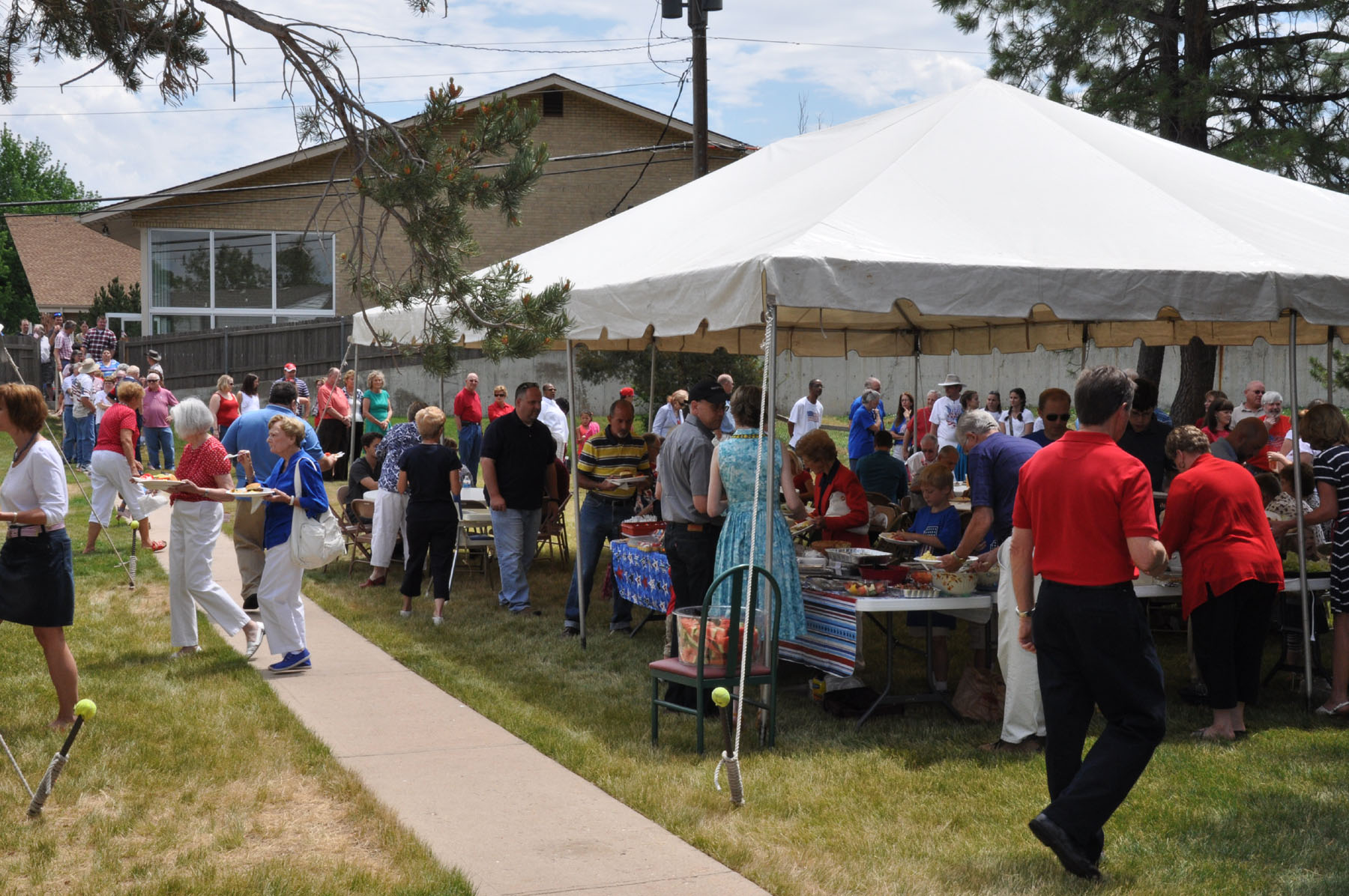 More than 250 people participate in a community picnic sponsored by Arapahoe Road Baptist Church - & While tackling Denveru0027s challenges church embraces CP global ...