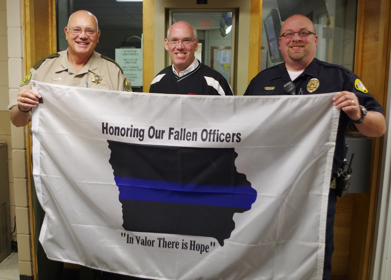 Crest Baptist Church honors law enforcement officers