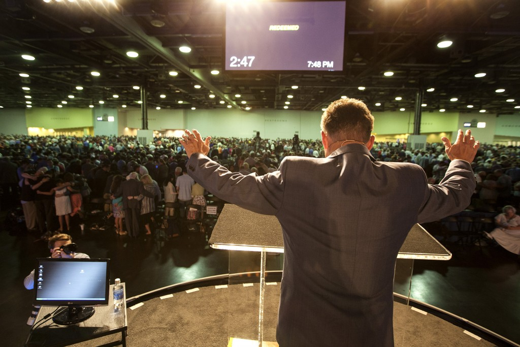 """Ronnie Floyd, president of the Southern Baptist Convention, leads small groups of messengers at the SBC annual meeting June 16 to """"repent of all racism and all prejudice."""" Floyd called on all Southern Baptists to pray for the next Great Awakening during the evening session at the Greater Columbus Convention Center in Columbus, Ohio. Photo by Matt Miller"""